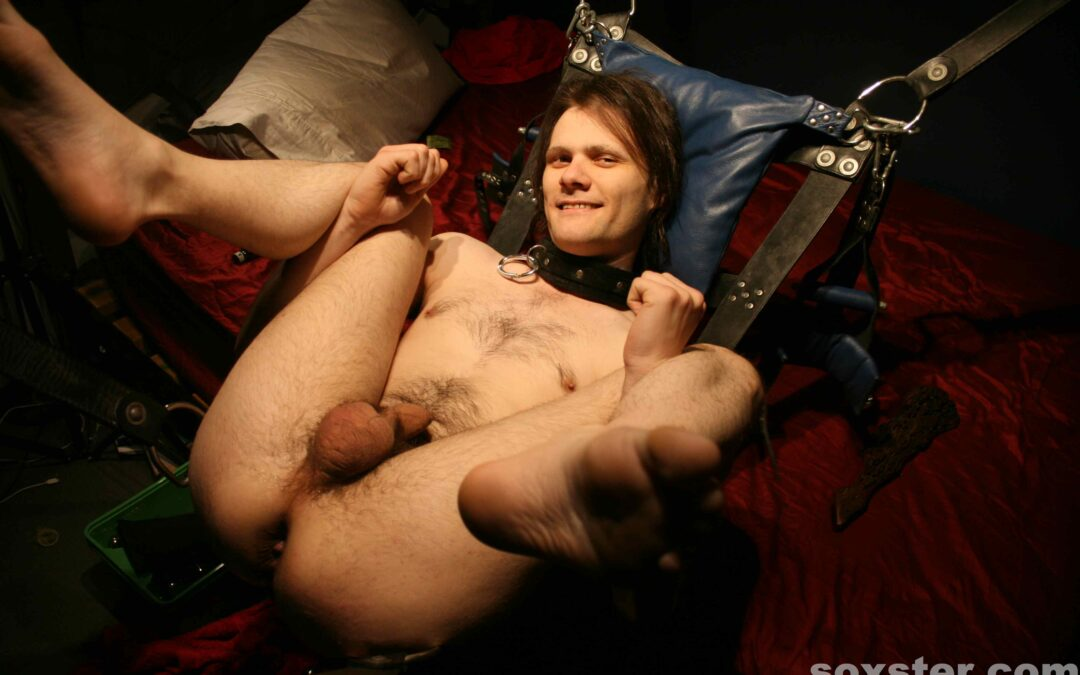 Sissyboy in the sling…